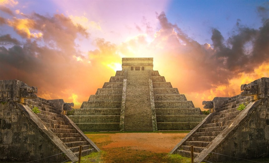 El Castillo Pyramid at Chichen Itzá