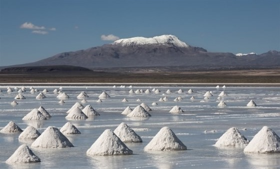 The salt pyramids – the mounds are made to dry out the salt before shifting it