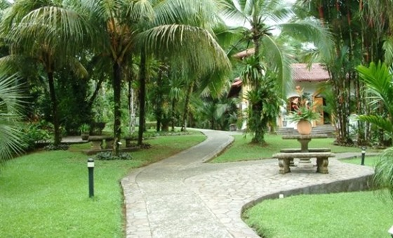 The grounds of Casa Corcovado Jungle Lodge