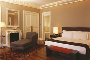 Sophisticated rooms at Park Hyatt Palacio Duhau