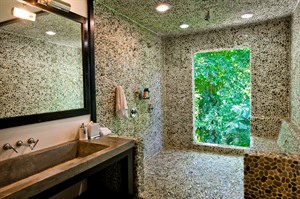 Bathroom at Copal Tree Lodge
