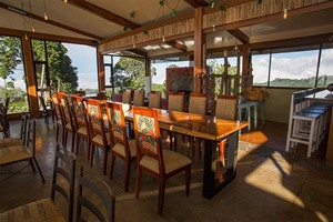 Chayote Lodge dining