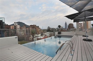 Rooftop pool at Cumbres Lastarria