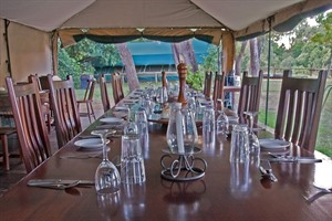Dining at Govenors' Private Camp