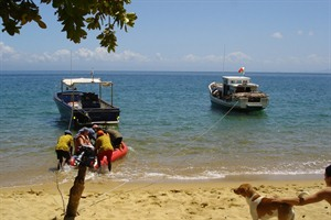 Guests arriving by boat from Maroantsetra