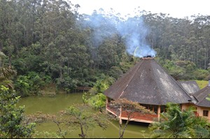 Vakona Forest Lodge - main building and lake