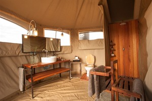 Bathroom at Namiri Plains