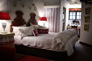 Cleopatra Mountain Farmhouse Bedroom