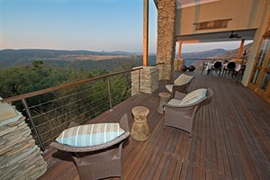 Terrace and views from Fugitives' Drift Lodge