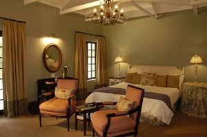 Jatinga Country Lodge Room