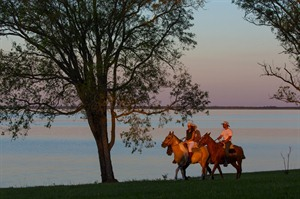Puerto Valle, horse riding by the Parana River