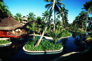 Nannai Beach Resort, Bungalow Pools