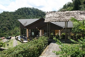 Setam Lodge exterior
