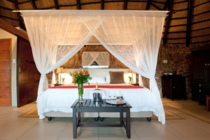 Leopard Mountain Game Lodge Chalet