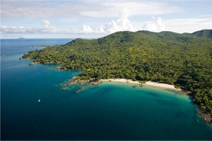 Nkwichi Lodge beach aerial view